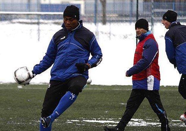 Leo Tawamba a Jozef Vukušič (vzadu). Dvojka, ktorá spolu rozdávala futbalovú radosť.