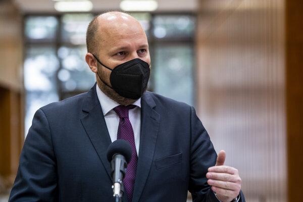 Minister obrany SR Jaroslav Naď (OĽaNO).