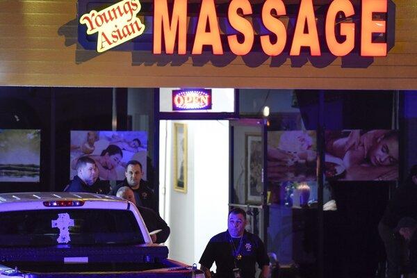 Páchateľ strieľal v masážnych salónoch.