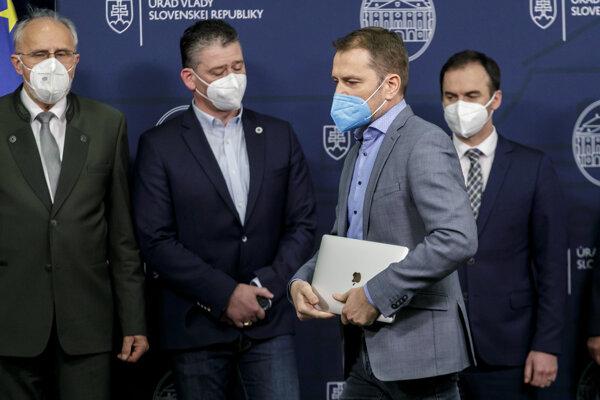 Igor Matovič počas tlačového vyhlásenia hnutia OĽANO k aktuálnej politickej situácii