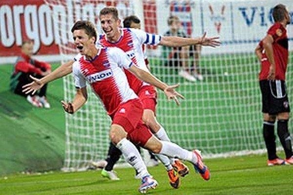 Michal Pintér zvyšoval na 2:0 svojím prvým ligovým gólom.