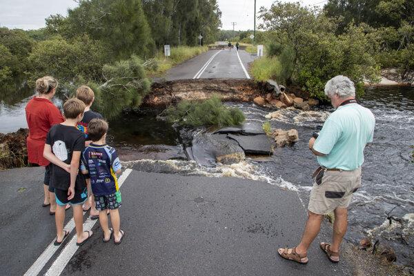 Austrália zažíva ničivé záplavy.