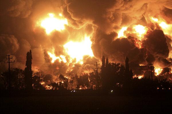 Výbuch v indonézskej rafinérii.