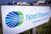 Značka s nápisom Severný prúd 2 (Nord Stream 2) v nemeckom Lubmine.