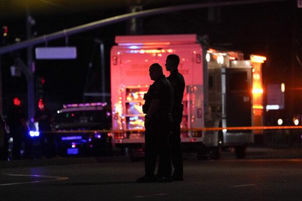 Polícia na mieste činu v kalifornskom meste Orange.
