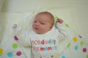Anna Blažejová (4730 g, 52 cm) sa narodila 21. marca Alene a Norbertovi z Trenčianskeho Jastrabia.