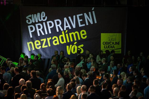 1. marec 2020, Trnava. Volebná noc vo volebnej centrále OĽaNO počas parlamentných volieb 2020.
