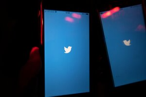 Twitter v mobile.
