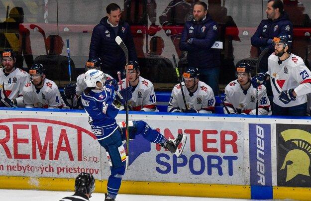 Fominych hral so sebavedomím, pekný gól na 2:1 provokatívne oslávil pred striedačkou Slovana.