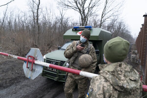 Ukrajinskí vojaci na východe vlasti.