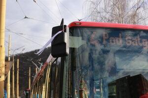 V Prešove sa do štrajku zapojili len symbolicky. Vozidlá mali na spätnom zrkadle bielu stušku.