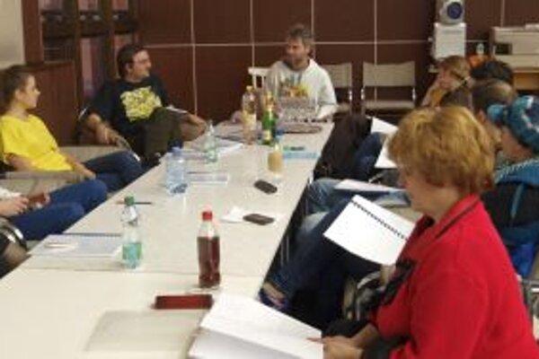 Čítačka hry Rok v Kocúrkove s hercami DAB.