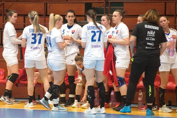 Slovenské hádzanárky dnes v Šali prehrali so Srbskom.