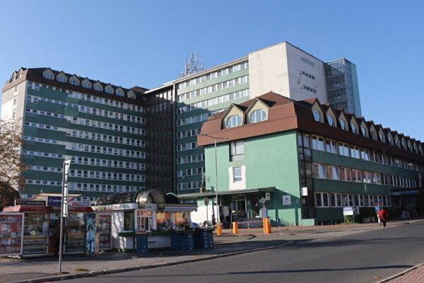 V popradskej nemocnici zasahovala NAKA.