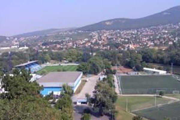 Areál futbalového štadióna v Nitre. Švajčiari tu chceli postaviť multifunkčné centrum.