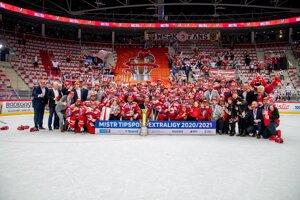 HC Oceláři Třinec po zisku titulu v českej extralige 2020/2021.