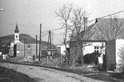 Zaniknutá obec Mochovce.