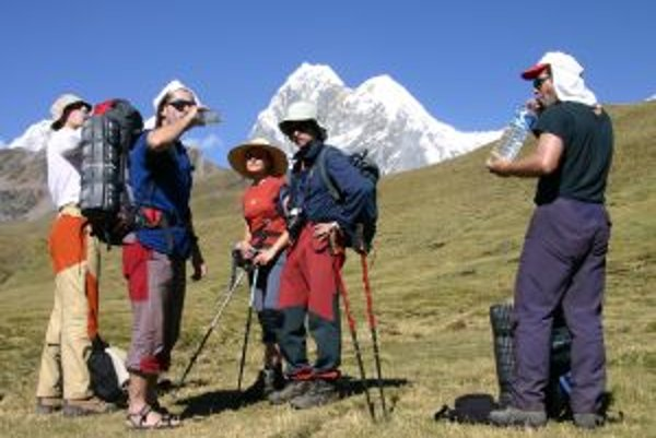 Aklimatizačný trek v pohorí Huayahuash, v pozadí šestisícová Jirishanca.