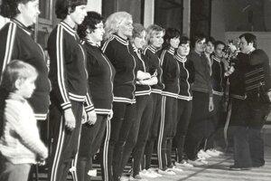 Spartakiády: ženy z Uhorskej Vsi pravidelne nacvičovali spartakiádu, československá televízia natočila s nimi aj dokument.