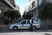 Policajti blokujú cestu v Aténach.