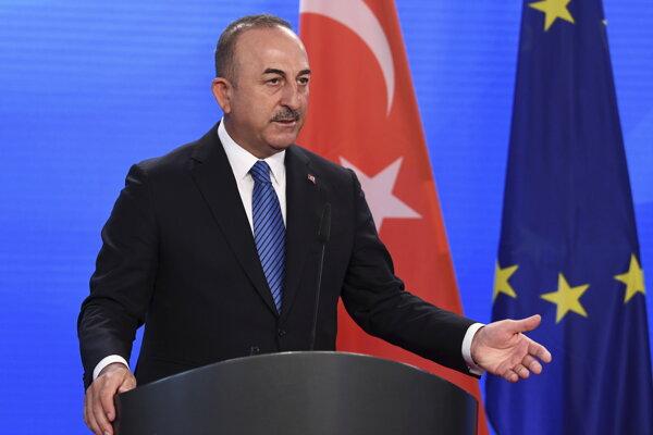 Turecký minister zahraničných vecí Mevlüt Čavušoglu.
