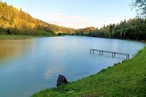 Vodná nádrž je najvýznamnejším liahniskom obojživelníkov v okrese Levoča.