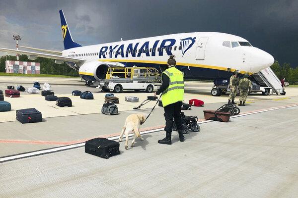 Lietadlo donútili pristáť v Minsku.