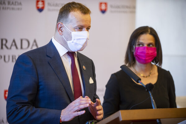 Predseda parlamentu Boris Kollár počas spoločnej tlačovky s Máriou Kolíkovou.