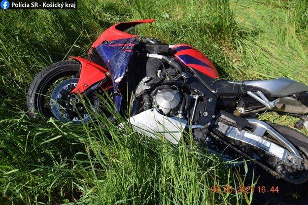 Dopravná nehoda je v štádiu vyšetrovania.