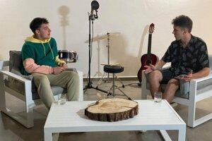 Adam Dudiak (vľavo) vrozhovore sViliamom Kublom