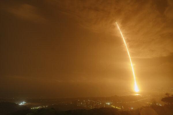 Štart čínskej rakety.