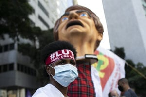 Ľudia znova protestovali proti prezidentovi Bolsonarovi.