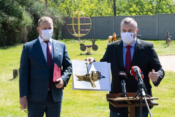 Boris Kollár a minister práce Milan Krajniak.