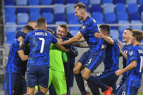 Slovenskí futbalisti zvíťazili v semifinále play off ME 2020 nad Írskom 4:2 po rozstrele z 11 m, keď sa duel po riadnom hracom čase i predĺžení skončil bez gólov, 8. októbra 2020 v Bratislave.