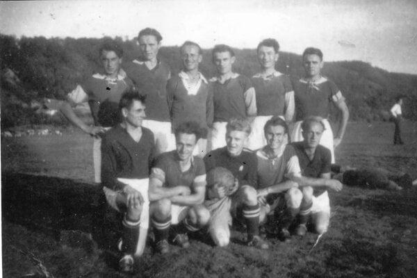 Futbalové mužstvo V. Opátskeho zo začiatku 50. rokov minulého storočia.