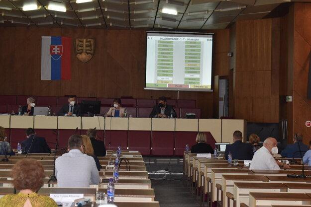 Poslanci schválili členov predstavenstva humenskej akciovky. Na tretí pokus.