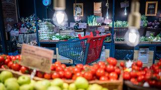 Milióny eur od suseda. Čo spája Kaliňáka s potravinami Yeme?