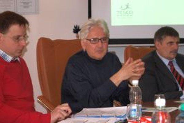 Na tlačovke k akcii - zľava Patrik Semík, Ján Juráš a Štefan Štefek.