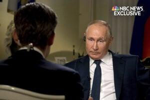 Ruský prezident Vladimir Putin počas rozhovoru pre televíziu NBC.
