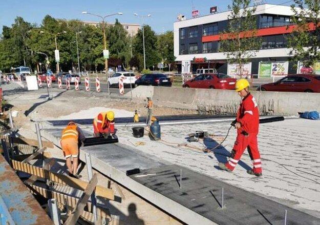 Oprava druhého mosta na Hlinkovej ulici v Košiciach.