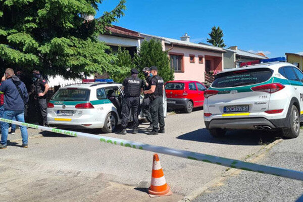 V jednom z rodinných domov v Poprade sa odohrala krvavá tragédia.