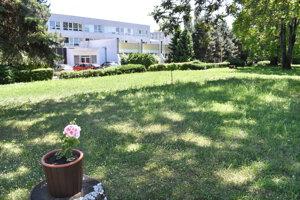 Hotelová akadémia má  lukratívne pozemky blízko centra mesta. Exriaditeľ hovorí o snahách z nich ukrajovať.