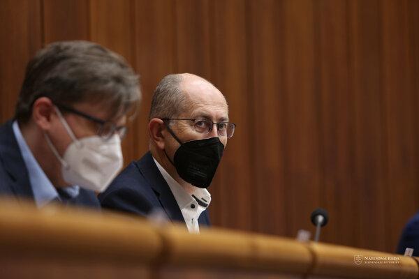 Aktuálny návrh novely zákona o diaľničnej známke predložil do parlamentu Peter Kremský z OĽaNO a ďalší poslanci.