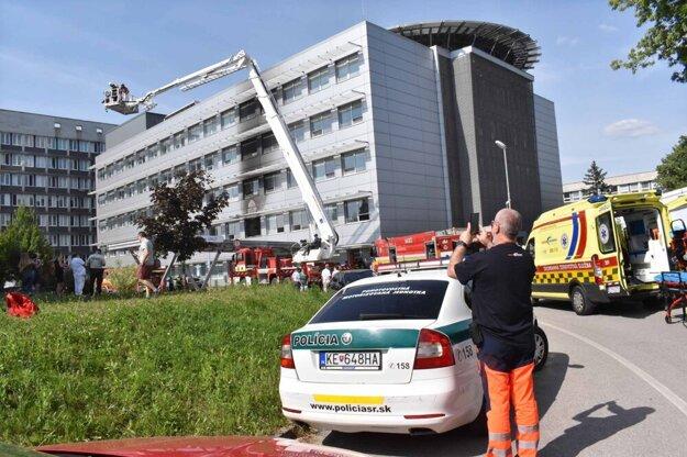 Požiar a evakuácia v košickej nemocnici.