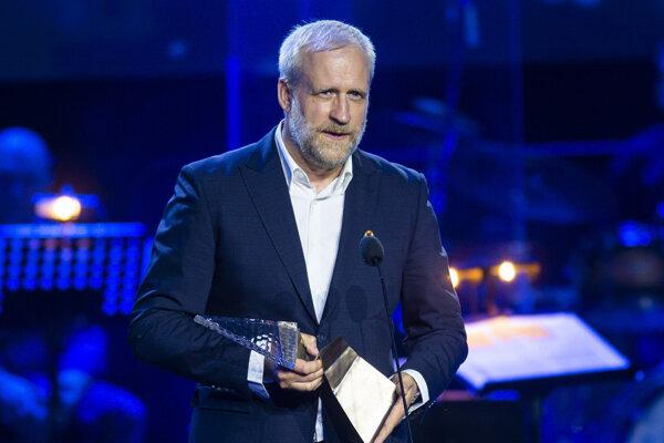V kategórii Divadlo a audiovizuálne umenie získal Krištáľové krídlo režisér Peter Bebjak.