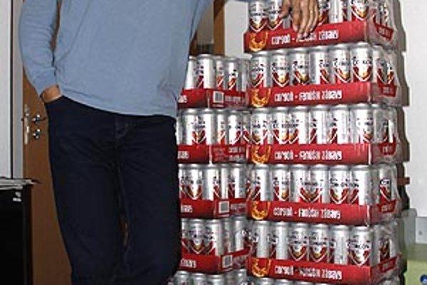 Na víťazov 15 kôl čakajú v redakcii kartóny piva Corgoň od spoločnosti Heineken.