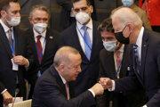 Erdogan a Biden sa ako hlavy štátov stretli minulý týždeň v rámci summitu NATO