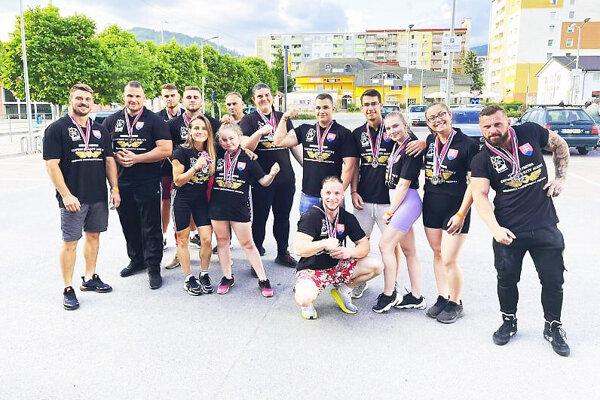 Úspešní členovia AWK Bul team Orava.