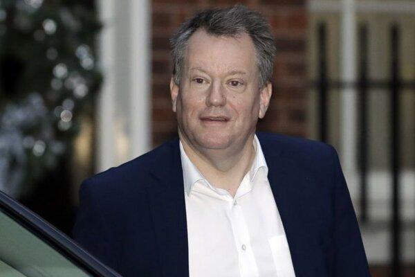 David Frost, vyjednávač Londýna.