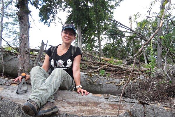 Zoologička Mária Apfelová sa počas svojej práce stretla srôznymi zážitkami smedveďmi.